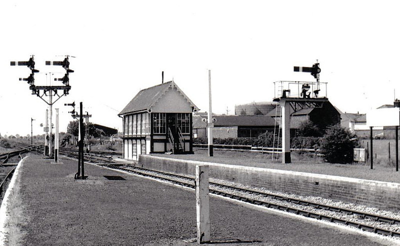 SKEGNESS - Seaside terminus in Lincolnshire in 1983, kept in lovely condition. Originally built with 7 platforms to handle heavy excursion traffic, Platform 1 has been demolished by this time and only Platforms 3 & 4 (the newly ballasted ones on the right) are still in use.