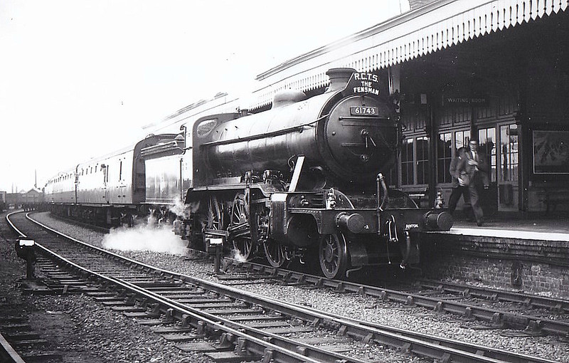 RAIL TOUR - 'FENSMAN No.2' (3) - 61743 - Gresley GNR/LNER Class K2 4-6-0 - built 06/16 by Doncaster Works as GNR No.1653 - 02/25 to LNER No.4653, 05/46 to LNER No.1743, 05/48 to BR No.61743 - 06/59 withdrawn from 40F Boston - seen here at Spalding at the head of the RCTS 'Fensman No.2' tour, having just hauled the train from Sleaford - Bourne - Spalding, 09/09/56. It came off here in favour of Class K3 No.61942 which hauled six coaches back to Kings Cross and 42784 which took the other four back to Nottingham Midland.