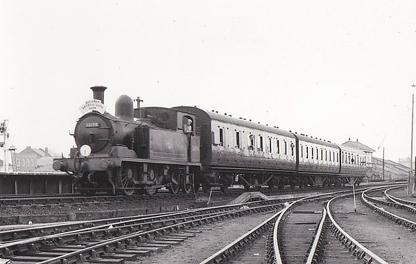 RAIL TOUR - 'SOUTH LONDON RAIL TOUR - organised by the REC and run on March 25th, 1962, with 30199 as power throughout and seen here at Kingston to Shepperton leg. The tour ran as follows:-  London Waterloo - Clapham Junction - Twickenham - Kingston - Sunbury - Shepperton - Sunbury - Strawberry Hill - Twickenham - Richmond - Gunnersbury - South Acton - Chiswick & Hammersmith - South Acton - Kew East Ju - Kew New Jn - Clapham Junction - Longhedge Jn - Factory Jn - Brixton - Herne Hill - Tulse Hill - West Norwood - Crystal Palace - Norwood Junction - Selhurst - Clapham Junction -  Longhedge Jn - Stewarts Lane Jn - London Victoria (E)
