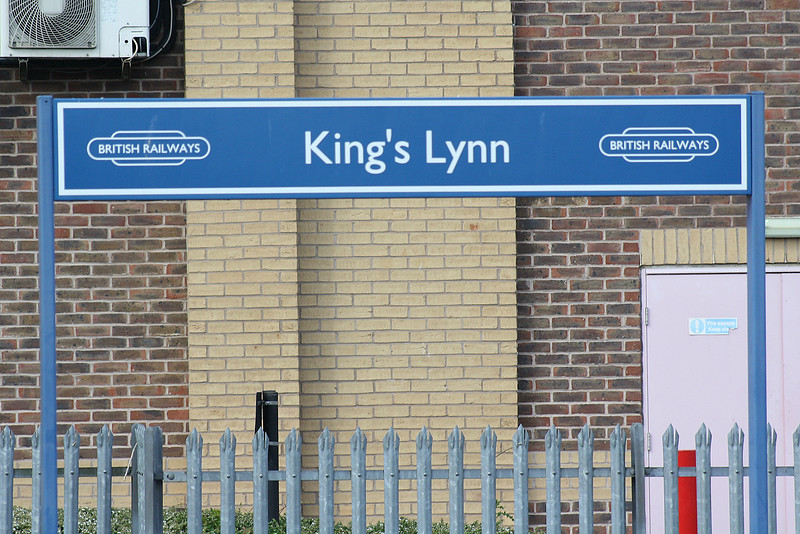 KINGS LYNN - Platform signs - I know Kings Lynn is a bit of a railway backwater but surely they've heard of privatisation by now! - 10/05/18.