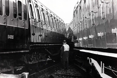 NORWOOD JUNCTION - On November 13th, 1981, two commuter trains with more than 600 passengers on board collided at Norwood Junction. The trains involved were the 0823 Beckenham - Victoria and 0822 West Croydon - London Bridge. There were two minor injuries. The EMU's involved were 4SUB No.4725 (right) and 4EPB No.5007 (left).