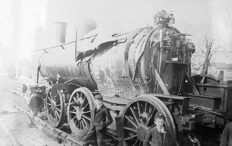 BROCKLESBY - On March 28th, 1907, 2 freight trains collided at Brocklesby on the Barnetby - Grimsby/Immingham line. Class 15 'Yankee Mogul' 2-6-0 No.966 was evidently one of them and, I suspect, scrapped shortly thereafter.