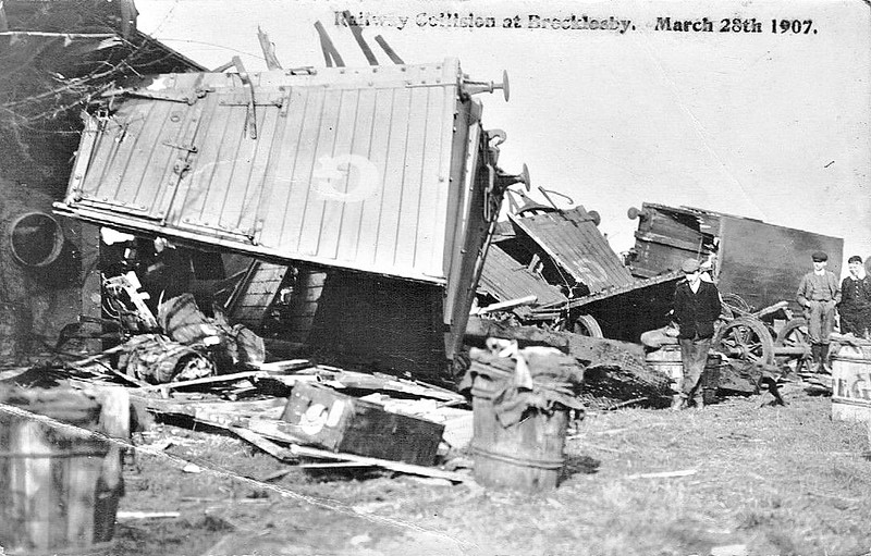 BROCKLESBY - On March 28th, 1907, 2 freight trains collided at Brocklesby on the Barnetby - Grimsby/Immingham line. I have been unable to find any more exact details.