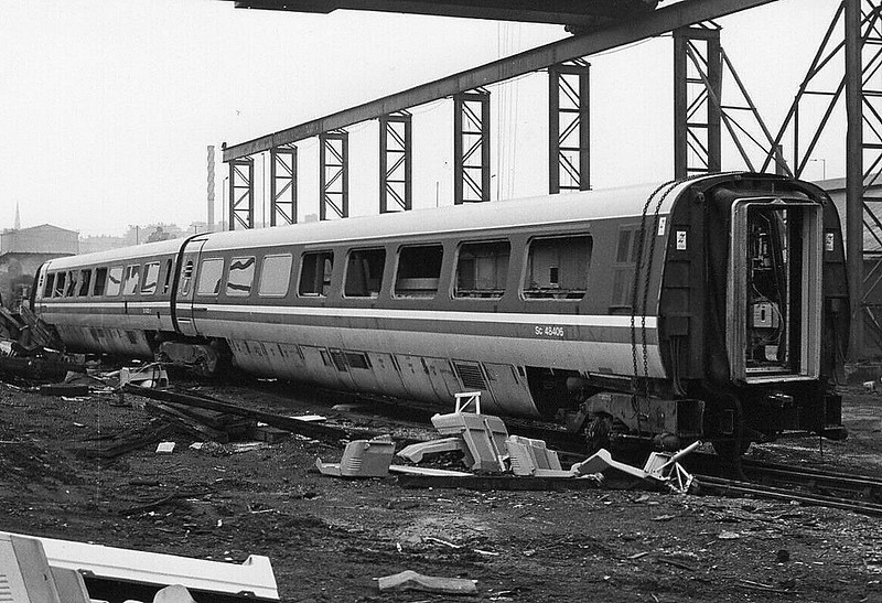 BOOTH'S SCRAPYARD, Rotherham - APT-E - End of the road for APT-E Set 370 001, Britain's Great Railway White Hope. Being broken up in 1986.