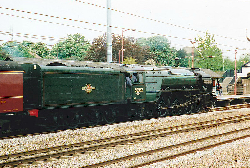 60532 BLUE PETER - Peppercorn LNER/BR Class A2 4-6-2 - built 03/48 by Doncaster Works - 12/66 withdrawn from 61B Aberdeen Ferryhill - seen here at Huntingdon on the 'White Rose' Kings Cross - York special, already 46 late, 10/05/98.