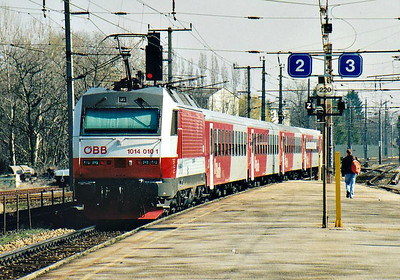 OBB - 1014 010 - 18 engines built from 1993 for services into Hungary, all withdrawn by 2009, very unreliable - propels train REX7615, 1212 Wien Sudbahnhof - Bratislava Petrzalka, away from Bruck-am-der-Leitha, 13/03/07.