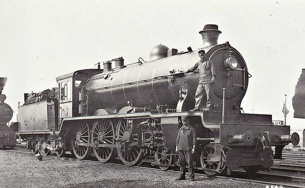 SNCB/NMBS - 4004 is an express passenger 4-6-0.