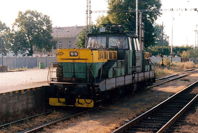 CD - 111 013 - 35 DC engines built by Skoda in 1981/2 for shunting and trip duties - yard pilot at Mohelnice, between duties, 10/08/04.