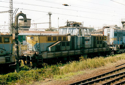 CD - 111 022 - 35 DC engines built by Skoda in 1981/2 for shunting and trip duties - seen here in the engine sidings in Prerov Yard, 07/08/03.