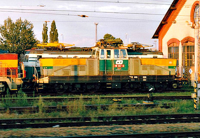 CD - 110 047 -  52 DC electric shunting/trip locos built 1971-1973 by Skoda - seen here on depot at Olomouc, 15/08/04. Note variegated livery!