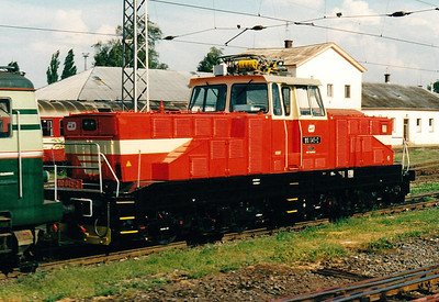 CD - 110 045 - 52 DC electric shunting/trip locos built 1971-1973 by Skoda - seen here at Olomouc ex-Works, 09/08/04.