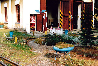 CZECH REPUBLIC - CD - OSOBLAHA LOCOMOTIVE DEPOT - the entrance to the little depot at Osoblaha, 26/10/05.