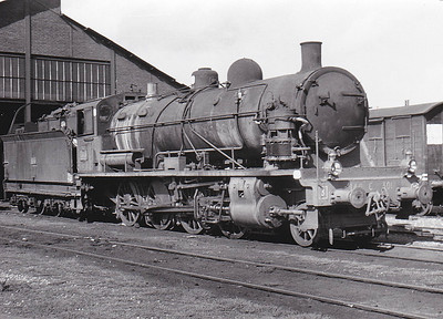 SNCF - 140C 301 - CF d'Etat 2-8-0 - built 1917 by North British Loco Co., Works No.21638 - withdrawn late 1960's/early 1970's - seen here at Acheres in September 1960.