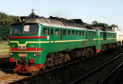 LG - 2M62 0147 - 74 'Double Sergei' locomotives built by Lugansk from 1976 - laid by on a tanker train at Kedanisi, 29/08/06.
