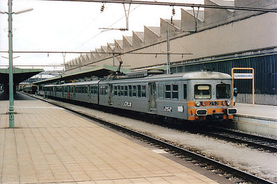 CFL -  252/256 - Class 250 2-car 25kv AC EMU - 6 built in 1975, similar to SNCF Z6100 Class, used on suburban services south of Luxemburg - all withdrawn by 12/05 - seen here on the 1148 Luxemburg to Troisvierges, 30/07/98.