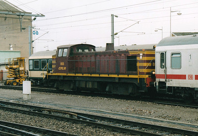 CFL - 858 - Class 850 Bo-Bo DE - 8 engines built 1956 by Brissonneau & Lotz for shunting and freight work - similar to SNCF Class 63500 - all withdrawn by 2007 - seen here shunting DB stock in Luxembourg Station, 29/10/03.