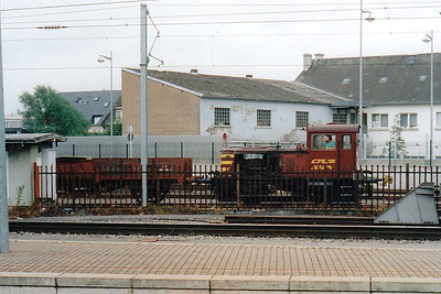 CFL - 1024 - Deutz Class 1020 0-4-0DH Shunter - 4 locos built by Deutz, 1952-1957 - seen here shunting the Locomotive Works adjacent to Luxemburg Station, 30/07/98.