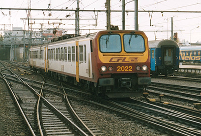 CFL - 2022 - Class 2000 2-car EMU - 22 units built in France in 1990, similar to SNCF Class Z11500 - arrives at Luxembourg with a train from Rodange, 29/10/03.