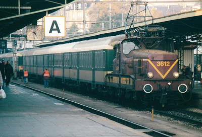 CFL - 3612 -  Class 3600 Bo-Bo Electric - 20 locomotives built in 1958 in France by MTE, similar to SNCF 12000 class - by 10/03 reduced to local freight duties and peak hours passenger services - all withdrawn by 2005 - awaits departure from Luxembourg on the 1709 to Longwy, 28/10/03.