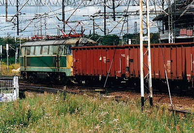 CTL - 201E 277 - 11 Class ET22 locomotives owned by CTL - seen southbound on a rake of hopper wagons at Katowice, 11/08/03. This loco was bought secondhand and still carries it's builders number. It has since been renumbered.