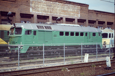 BYDGOSZCZ - 120 002 - preserved ex-DR Class M62 at the PESA Works for overhaul, 13/05/08.