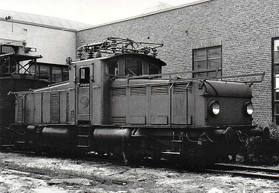 SWEDEN - SJ -  642 - Class Od Bo-Bo Battery Electric Shunter, built by Falun in 1946 - all now withdrawn - seen here at Malmo in 05/60.