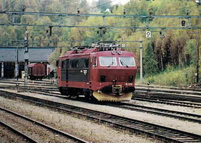 NORWAY - NSB - 16 2214 - one of 17 Class EL16 locomotives built in 1977, 15 of which are still in traffic with CargoNet, seen here in 2001.