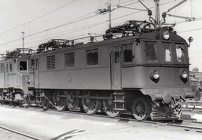 SWEDEN - SJ -  726 - Class Dk 1-Co-1 electric locomotive built in 1939 - many of this class of engine were rebuilt in 1967 to form Class Du2 - seen here at Savenas in 05/62.