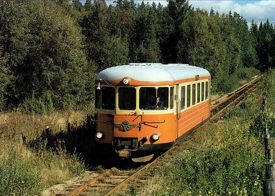 SWEDEN - SJ - YP900 - 891mm gauge railcar, built in 1955 by Hilding Carlsson, Umea, approaches Hultsfred on the from Vastervik, 08/79