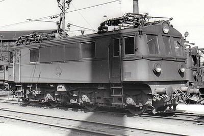 SWEDEN - SJ -  733 - Class Bk Bo-Bo locomotive built in 1939 - seen here at Savenas in 05/62.
