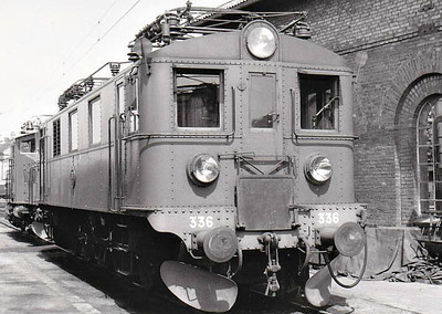 SWEDEN - SJ -  336 - Class Du 1-Co-1 electric locomotive built in 1935 by Nydquist & Holm - many of this class of engine were rebuilt in 1967 to form Class Du2 - seen here at Helsingborg in 05/60.