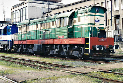 BRKS - 770 527 - 195 engines built 1968 to 1972 by SMZ for heavy shunting/trip freight duties, thousands exported, 42 on ZSR, many in industrial use - stabled at Brastislava Petrzalka, 10/03/07.