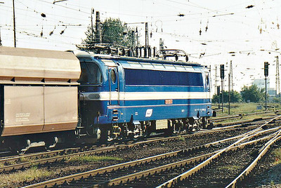 BRKS - 230 065 - 110 AC engines built 1966/67 by Skoda for freight duties, fibre glass bodies, on hire from CD - coasts south through Bratislava Hlavni Stanice on a southbound coal train, 12/09/06.