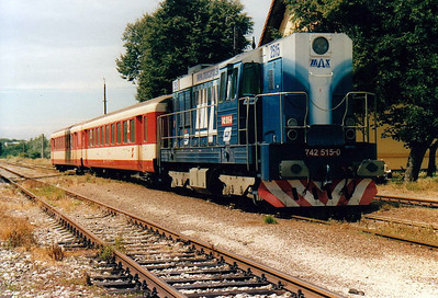 BRKS - 742 515 - 494 locos built by CKD from 1977 to 1986, in use with CD, ZSR and industry, maids of all work - on hire from Max Cargo to work trains on the reactivated line to Zahorska Ves on the Austrian border, with secondhand OBB stock - seen here ready to return to Bratislava from Zahorska Ves, 13/08/04. The station, all locked up, offered no facilities at all.