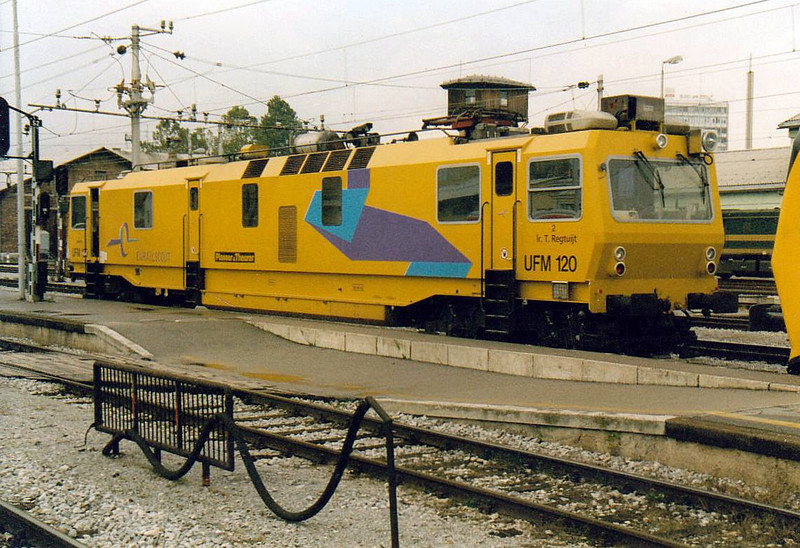 EURAILSCOUT - UFM 120 - Dutch-owned measurement and inspection, OHL test vehicle, buit 1998 - seen here in Ljubljana Station, 29/10/04.