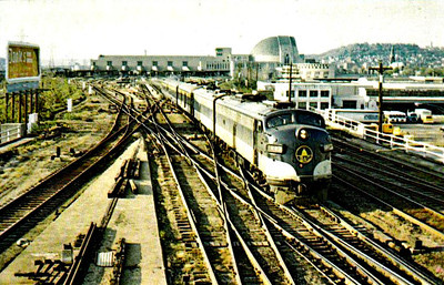 BALTIMORE & OHIO RAILROAD - 1443 - heads the last eastbound run of the 'George Washington' out of  Cincinnati Union Station on April 30th, 1971 - AMTRAK took over thereafter and the station was demolished in 1973.