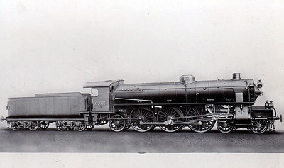 ITALY - FS - 69001 - the first of 23 Class 690 4-6-2's built between 1911 and 1914 - between 1928 and 1931 all were rebuilt with larger boilers to form Class 691 and all were withdrawn in 1962/63.