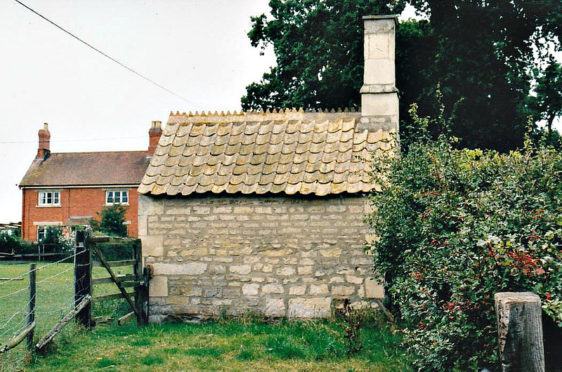 This little stone hut in Copy Lawn Farmyard was the original weighbridge office on the railway and still stands. I lived about 300 yards behind the camera when I was boy.