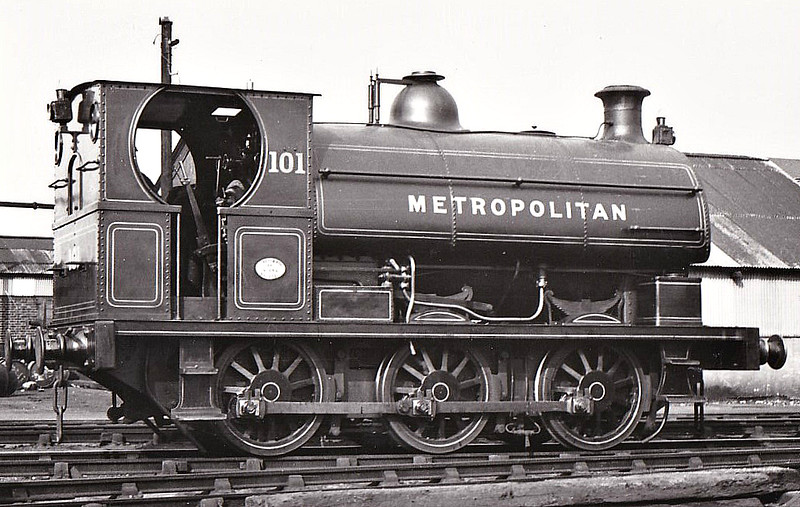 METROPOLITAN RAILWAY - 101 - Cass S 0-6-0ST - built 1897 by Peckett & Co., Works No.664 - 1935 to LT No.L53 - Finchley Road shunter - seen here at Neasden MPD, 1933.