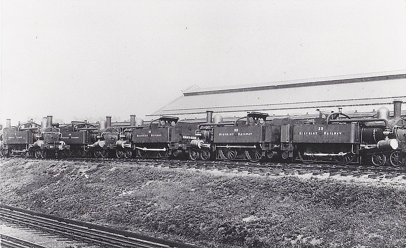 DISTRICT RAILWAY - Withdrawn District Railway 4-4-0's after 1905 - in this picture, Nos.16,22 and 29 are the three on the right.