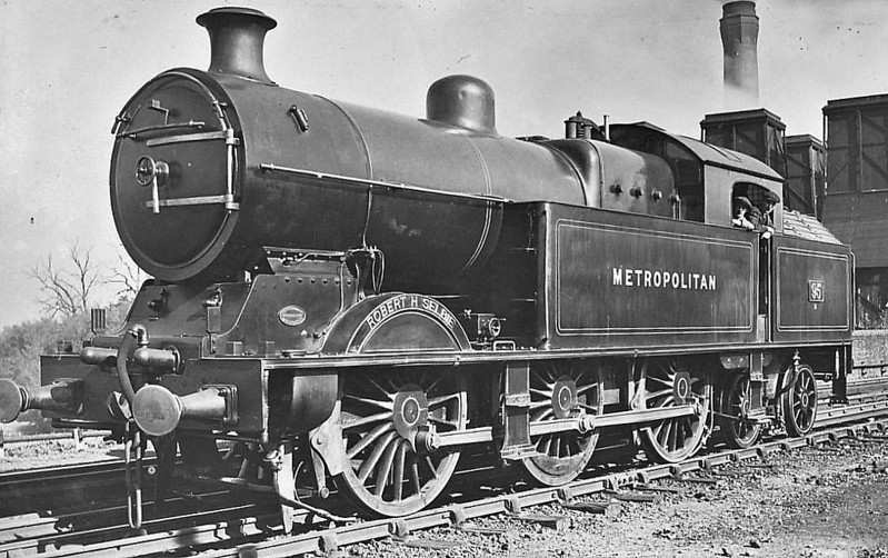 METROPOLITAN RAILWAY - 95 ROBERT H SELBIE - Jones Metropolitan Railway LNER Class M2 0-6-4T - built 01/16 by Yorkshire Engine Co. as Met. Rly. No.95 - 10/39 to LNER No.6155, 12/46 to LNER No.9076 - 10/48 withdrawn from 34E Neasden.
