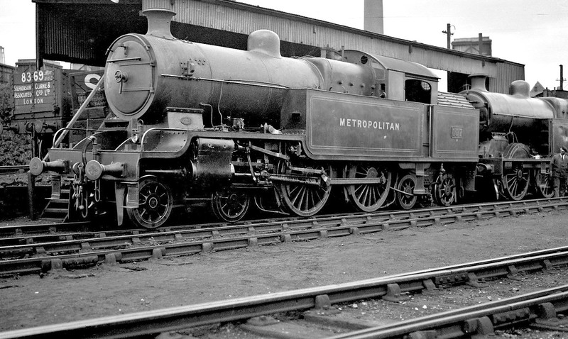 METROPOLITAN RAILWAY - 107 - Jones Metropolitan Railway LNER Class H2 4-4-4T - built 03/21 by Kerr Stuart & Co. as Met No.107 - 06/38 to LNER No.6419 - LNER No.7514 not applied - 09/43 withdrawn from Colwick MPD - seen here at Neasden MPD in 1931.