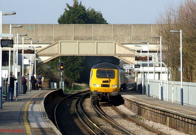 43014 appears at Hilsea at the head of 1X22 Reading-Old Oak Common (via much of the universe) on its way to Portsmouth Harbour, running some 30 minutes adrift. 19th March 2009.