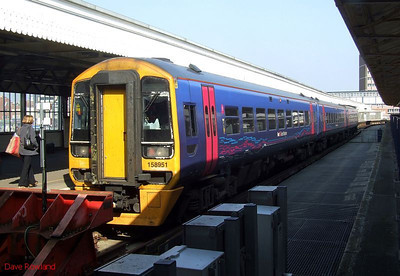 FGW 3-car Class 158 DMU 158 951 waits to depart from Portsmouth Harbour with 1F24, the 14.22 service to Cardiff Central. 19th March 2009.