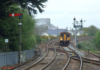 FGW 150 261 & 153 380 approach Par with the 07.35 Penzance-Plymouth stopping service on 8th May 2010.