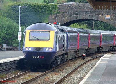 43139 provides power at the rear of the FGW HST 07.59 Penzance-Paddington service as it departs from Par at 09.08; 43155 is the leading power car. 8th May 2010.