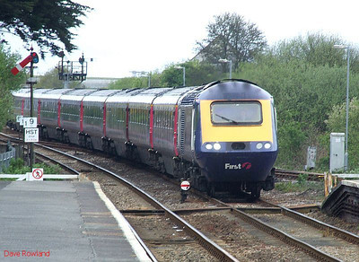 43155 leads a FGW HST into Par with the 07.59 Penzance-Paddington service; 43139 is the rear power car. 8th May 2010.