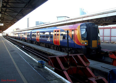 SWT 450 020 at Portsmouth Harbour, waiting to depart as 1P52, the 15.15 to Waterloo, on 30th January 2010.