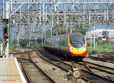 """VT Pendolino 390 053 """"Mission Accomplished"""" Crewe 15th July 2010."""