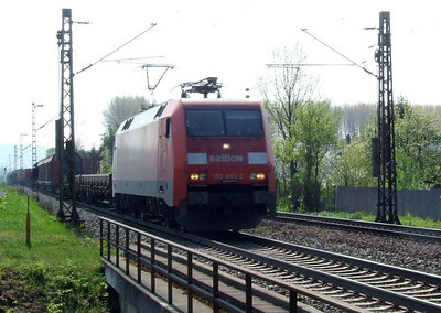 Railion 152 093, Himmelstadt, 20th April 2011.